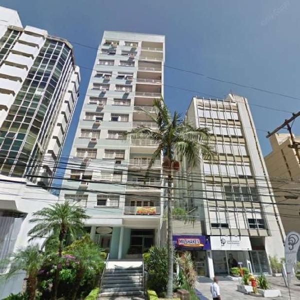 Apartamento com 142 metros quadrados com 3 quartos em