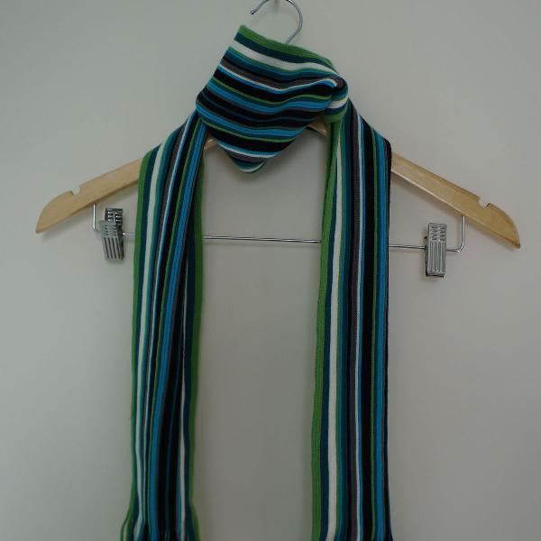 Cachecol de tricot listrado