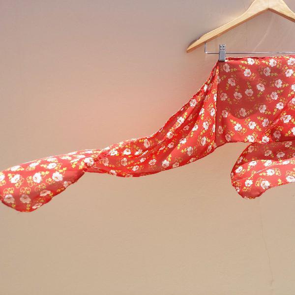 E o vento levou.. .. lenço vermelho com estampa