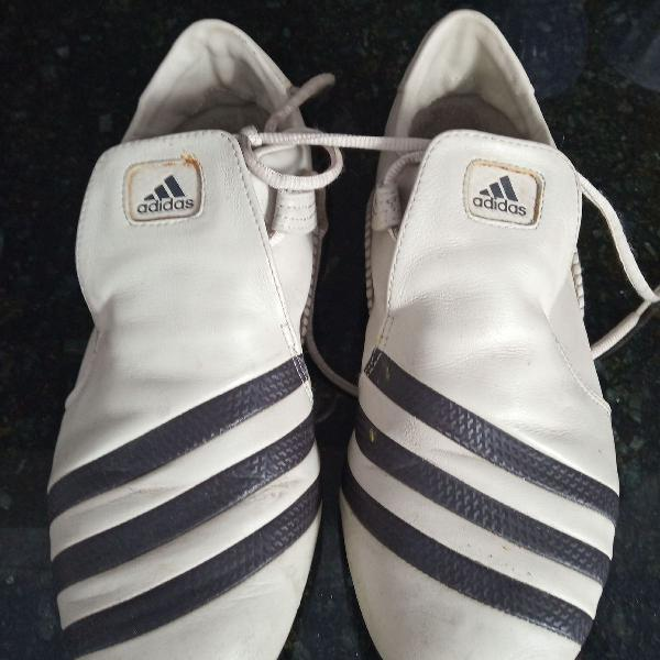 Tênis sapatilha adidas