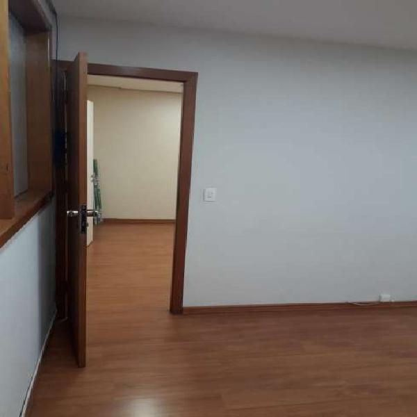 Conjunto para aluguel possui 43 metros quadrados em Moema