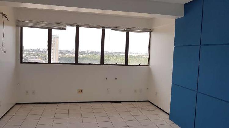 Sala/Conjunto para venda com 36 metros quadrados em Calhau -