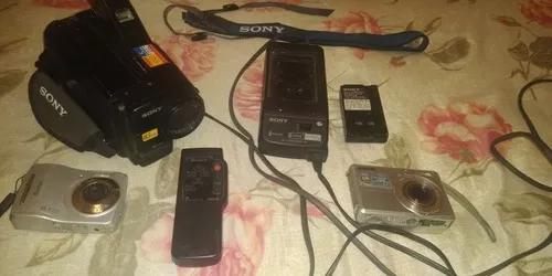 Vendo 1 filmadora da sony e 2 câmeras digitais da sony e