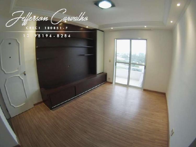 Apartamento para venda tem 70m2 2 quartos sendo 1 suíte.
