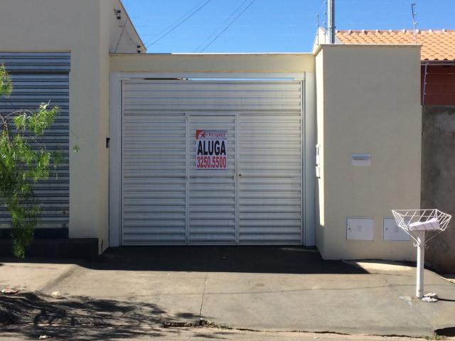 Casa para Aluguel com 3 Quartos em Bairro Cardoso -