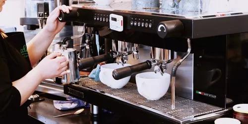 Venda, locação e manutenção de máquinas de café