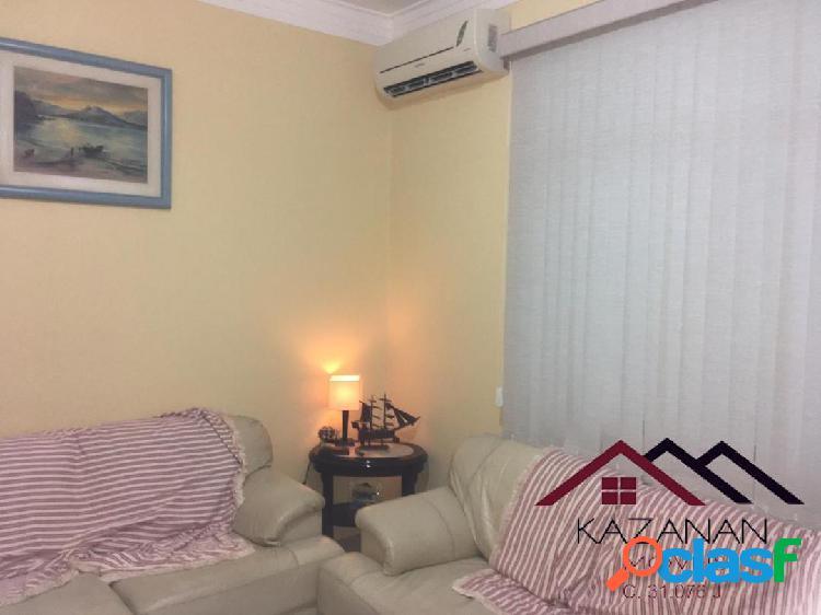 Apartamento térreo de 2 dormitórios no marapé/santos