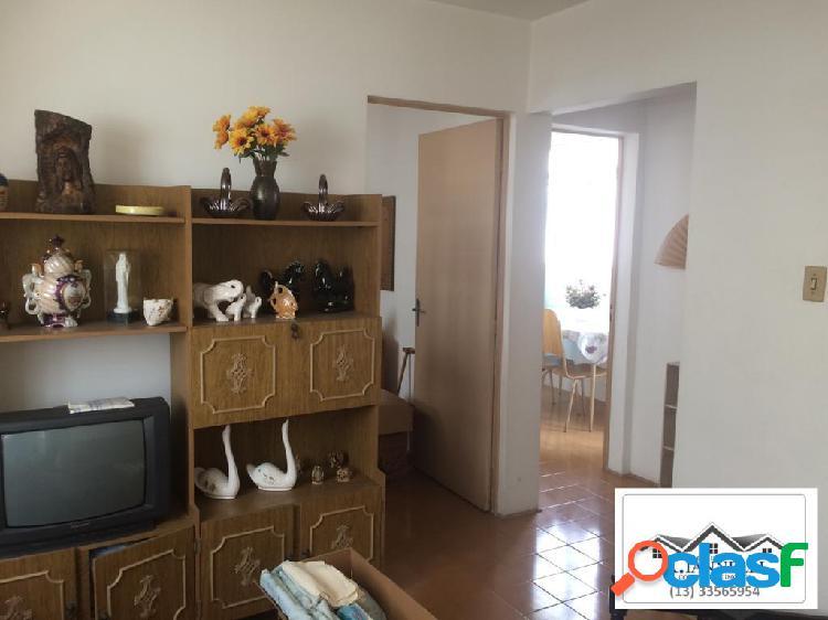 Apartamento 1 dormitório / mobiliado / 300 metros da praia.