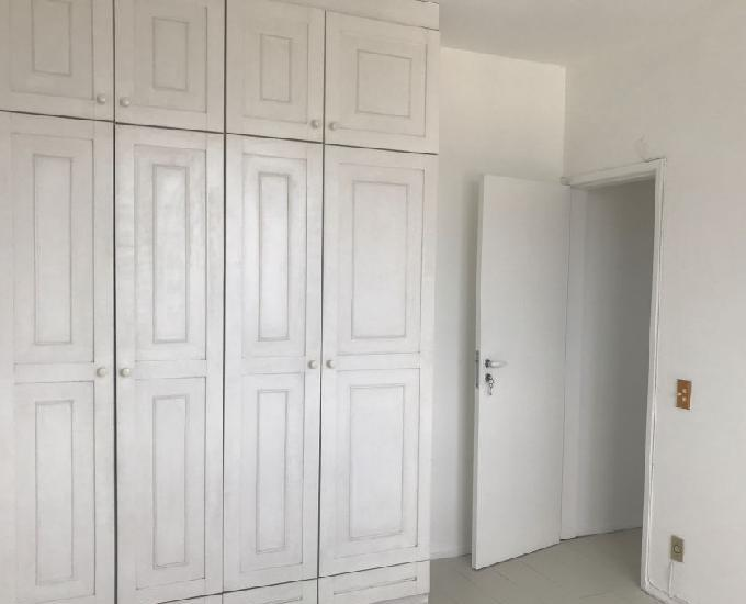 Alugo sala 2 quartos na conde de bonfim - tijuca- rj