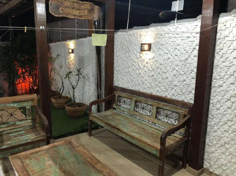 Casa 02 suítes com excelente espaço gourmet e vários