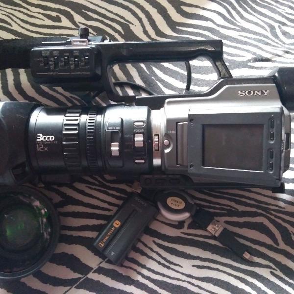 Filmadora profissional sony.