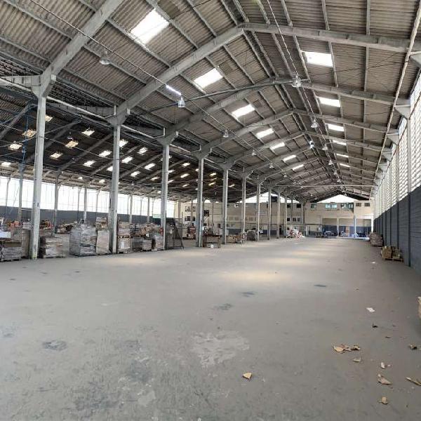 Galpão/Depósito/Armazém para venda tem 4300 metros