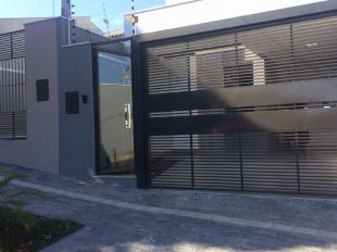 Casa alto padrão com 105 m2# ótima localização#pq. lagoa