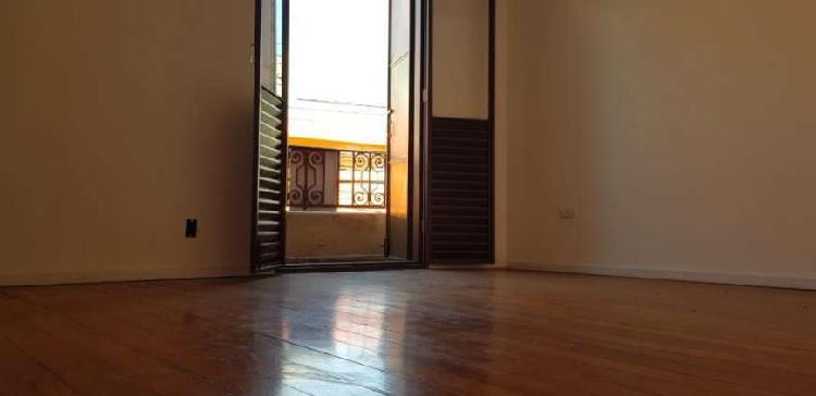 Casa três dormitórios para locação no braz