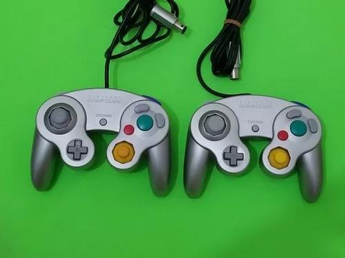 Controle original nintendo gamecube cinza.