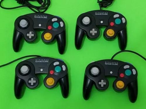 Controle original nintendo gamecube preto.