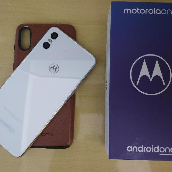 Motorola one, branco, completo