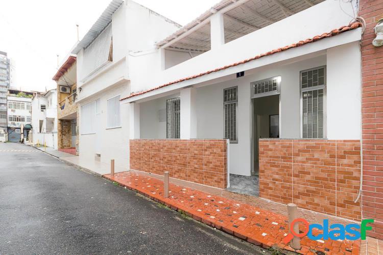 EXCELENTE casa duplex com 2 quartos e pequeno quintal - MEIER