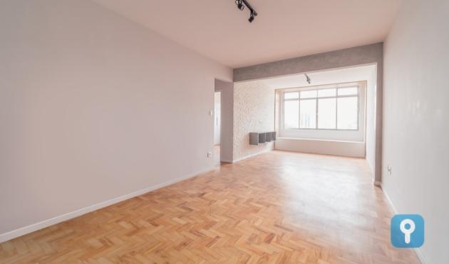 Apartamento reformado de 86m² com 1 suite no coração de