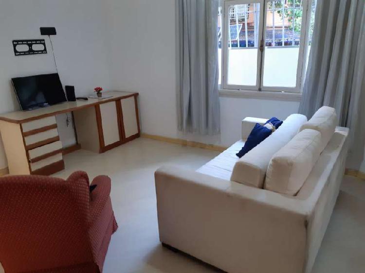 Apartamento para aluguel com 50 m², com 1 quarto e área de