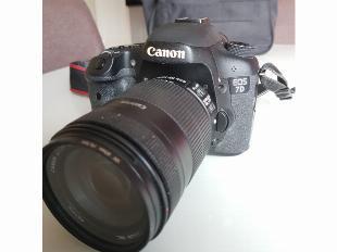 Vendo câmera canon 7d + lente 18-135