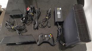 Xbox slim 250gb original com pouco uso