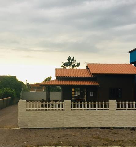 Alugo casa na pinheira