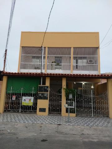 Casa com ponto comercial / 2 pavimentos próx. a