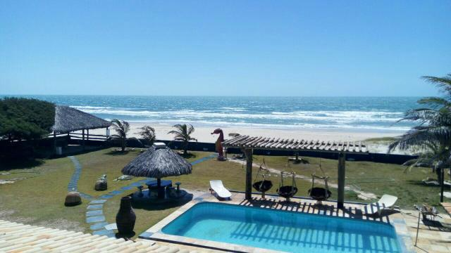 Casa de praia em morro branco10 suites * wifi * beira mar