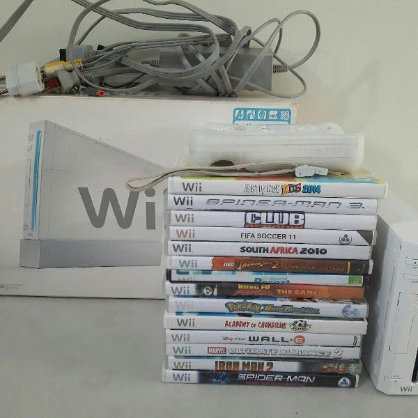 Nintendo wii com caixa original + acessórios e 14 jogos