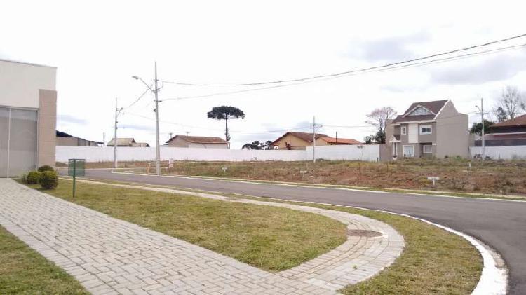 Terreno em excelente condomínio fechado no bairro umbará!