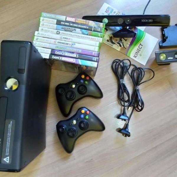 Xbox 360 + kinect 9 jogos originais e 2 controles