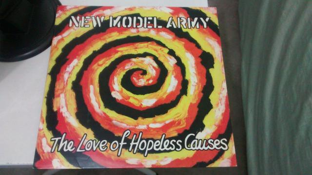 Disco de vinil new model army