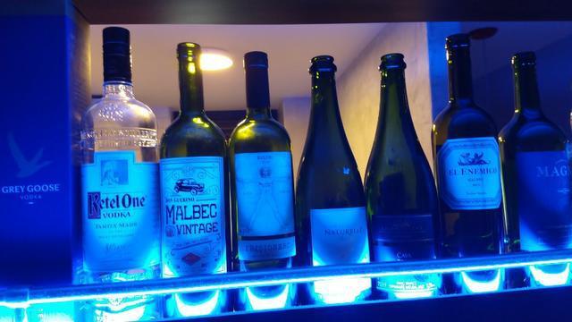 Lote de garrafas vazias r$ 10,00 (rua frei caneca)