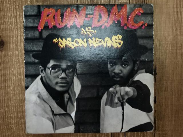 Vinyl single 7 polegadas run dmc, it?s like that 1997 -