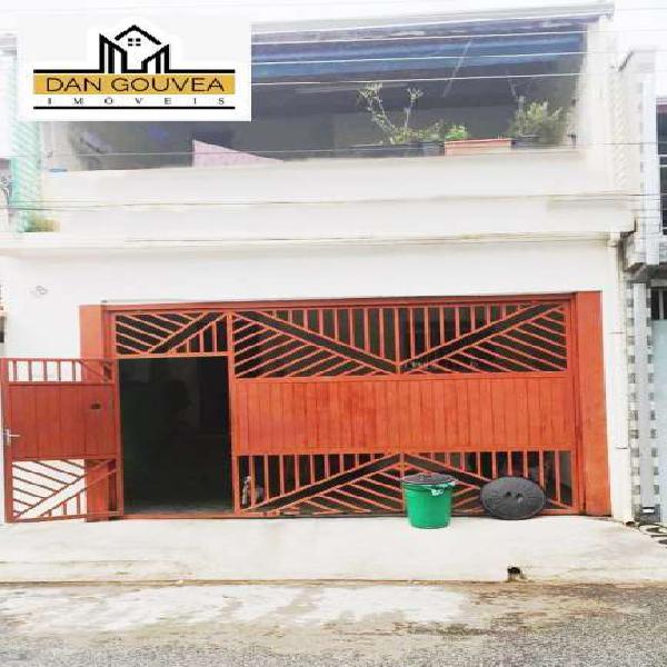Casa para venda com 100 metros quadrados com 3 quartos em