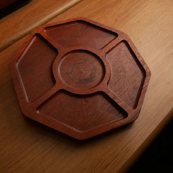 Petisqueira woodback em madeira maciça gravamos o logo da