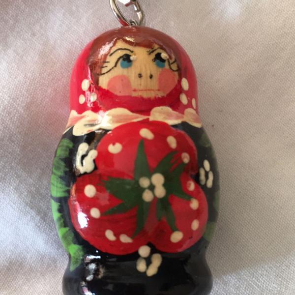 Chaveiro de madeira artesanal boneca russa