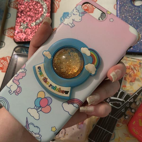 Linda capinha com unicórnio e glitter dourado iphone 7 plus