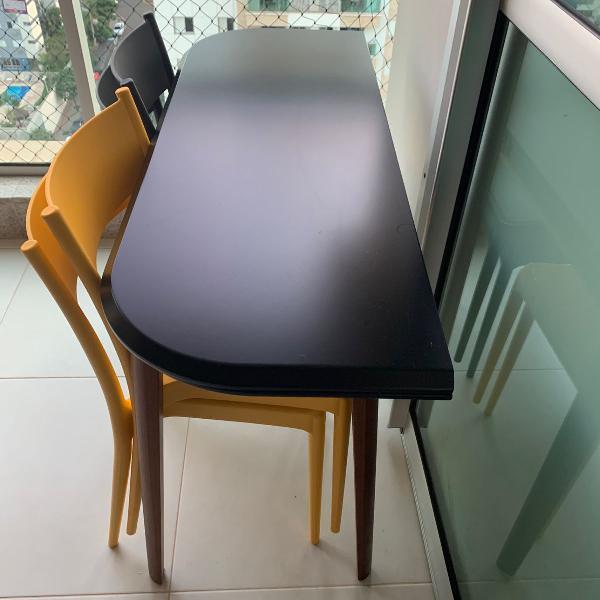 Mesa dobrável com cadeiras e 2 nichos -tok stok