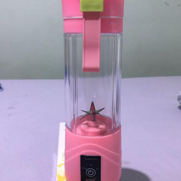 Mini liquidificador portátil