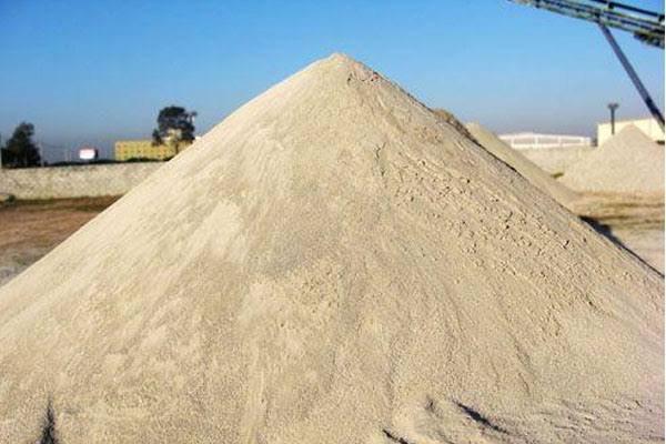 Caminhão de areia e pedra 13mts