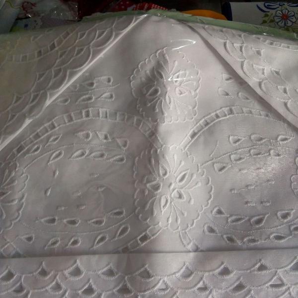 Jogo de lençol Casal bordado com Rechelieu.