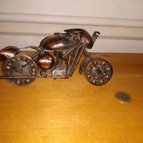 Moto decorativa aço metal artesanal r$229