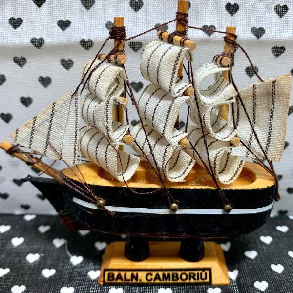 Bibelô mini barco a vela