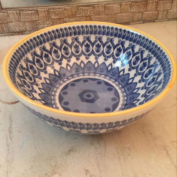 Bowl de porcelanas azul e branco