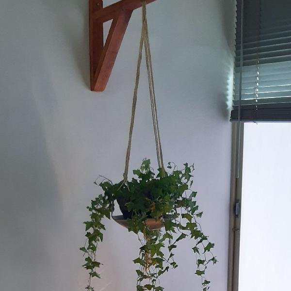 Suporte de madeira para vaso ou luminária