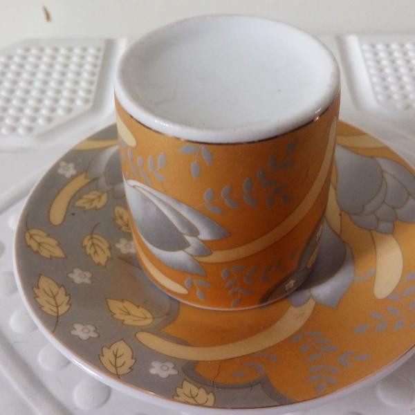 Xícara café de porcelana estampada
