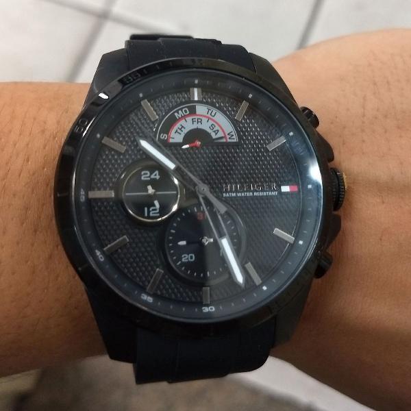Relógio tommy hilfiger preto novo