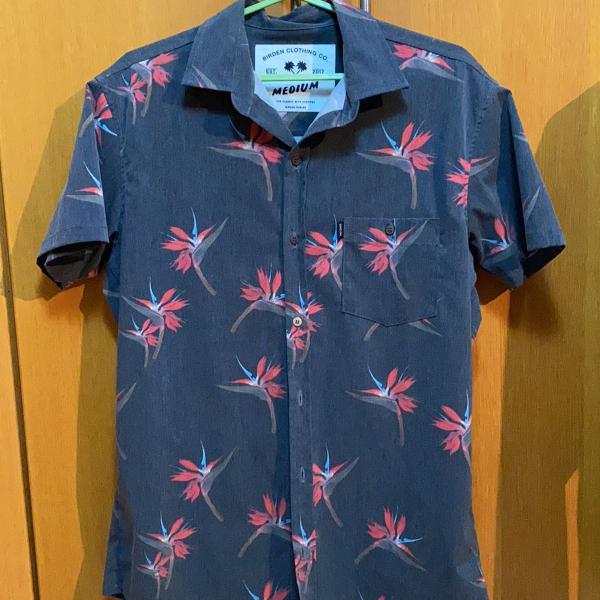 Camisa cinza floral manga curta